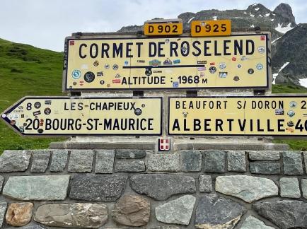 Tag 2 Ziel in Bourg Saint Maurice erreicht.